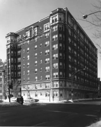 Senior_Housing,_Pomeroy_Bldg,_1039_Hollywood,_April_1978_CHAT